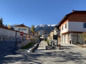 Банско през октомври. Снимка BULGARIAN PROPERTIES