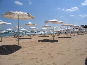 Плаж във Варна със син флаг